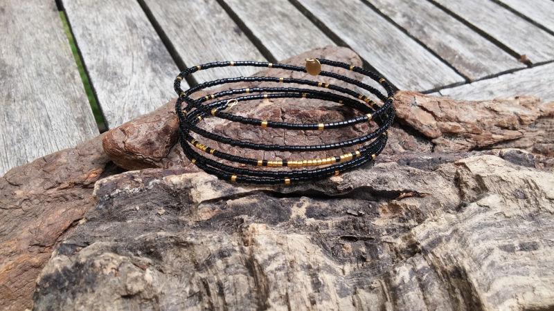 bracelet-memoire-noir-dore-WP