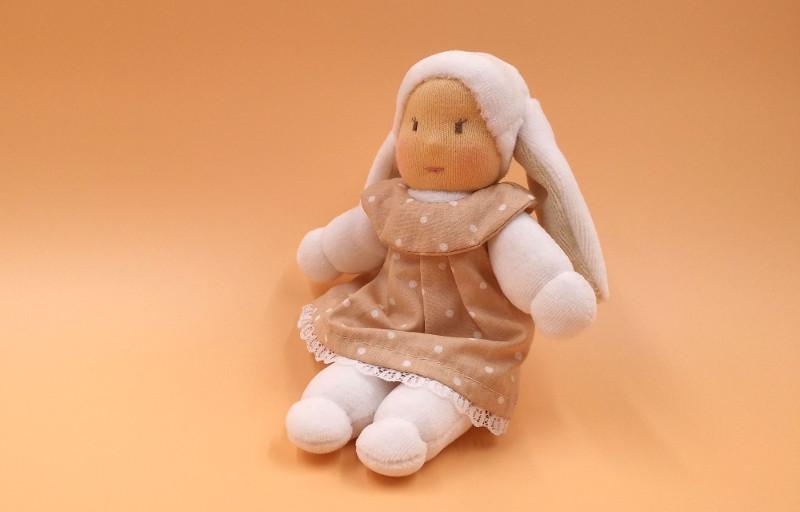 doudou-lapine-robe-pois-wp